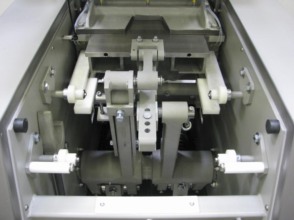 Benier-Dividing-Dough-Expert-main-piston-and-knife