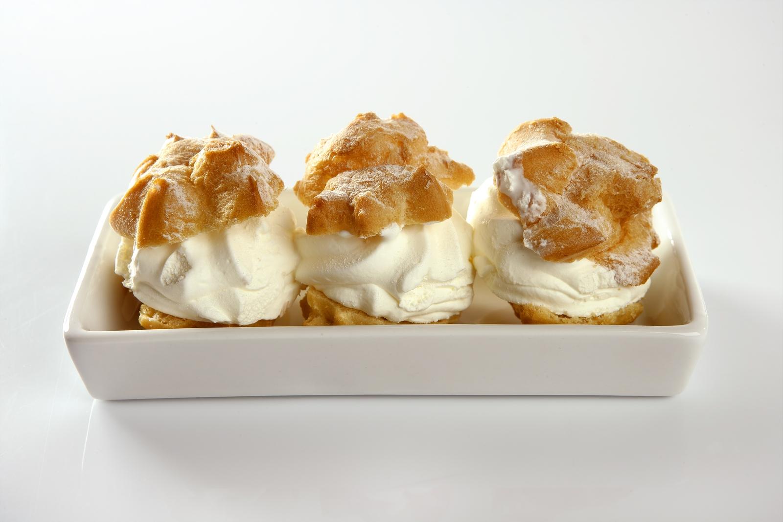 Delicious Cream Puff Cake